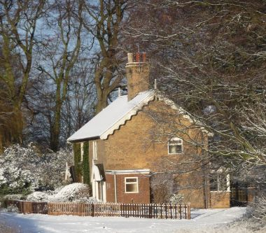 Pheasant Cottage in the snow 2009