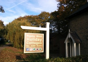Rigsby Wold Holiday cottage sign